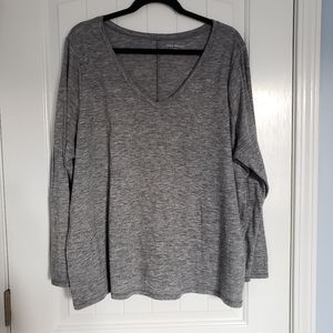 Lane Bryant long sleeve v neck tee grey 22/24